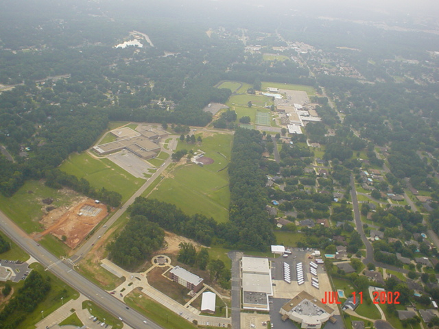 Longview, TX : Ariel view of Pine Tree Junior High and High School from hot air balloon