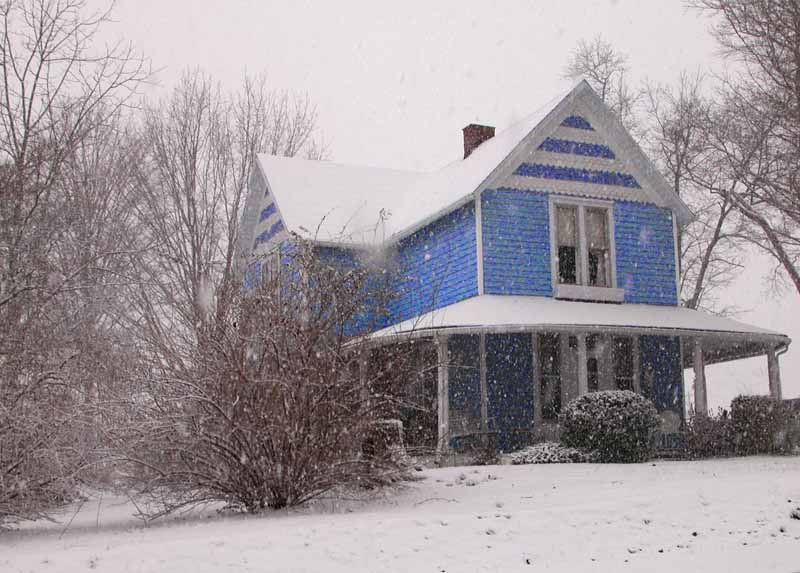 Crossville, TN : Blue House on Webb Ave.