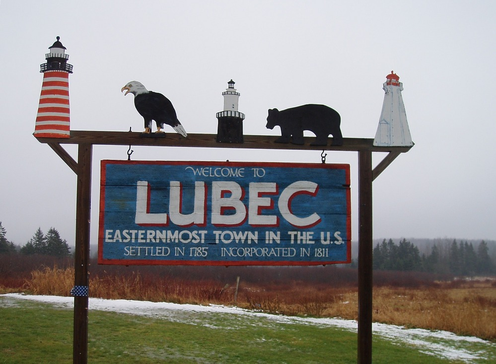 Lubec, ME : Greetings as you enter Lubec