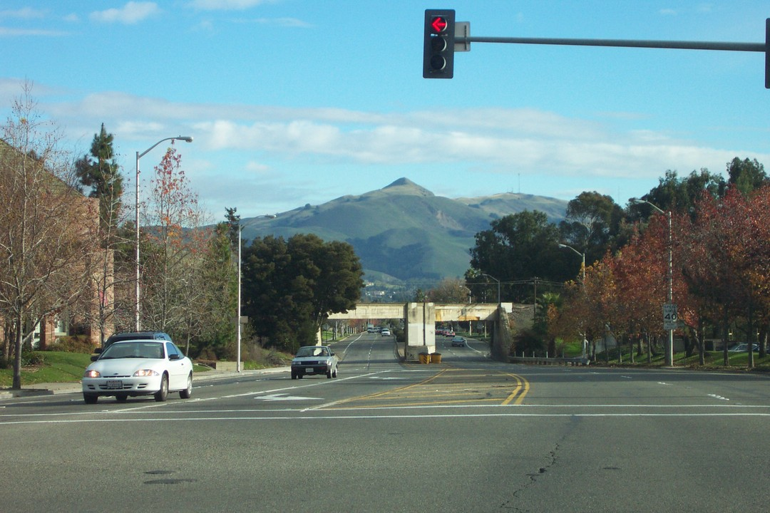 Fremont Ca Mission Blvd Mission Peak In The Background Photo Picture Image California At