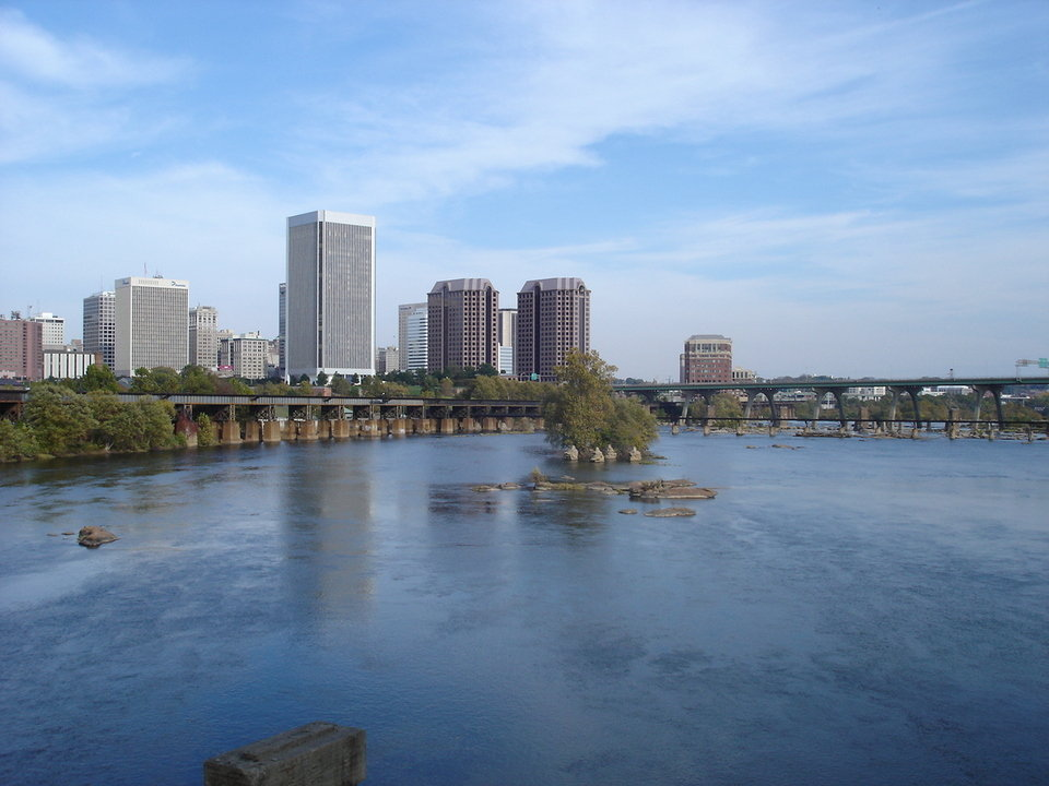 Richmond, VA : View of downtown Richmond, whilst walking to Bell Isle