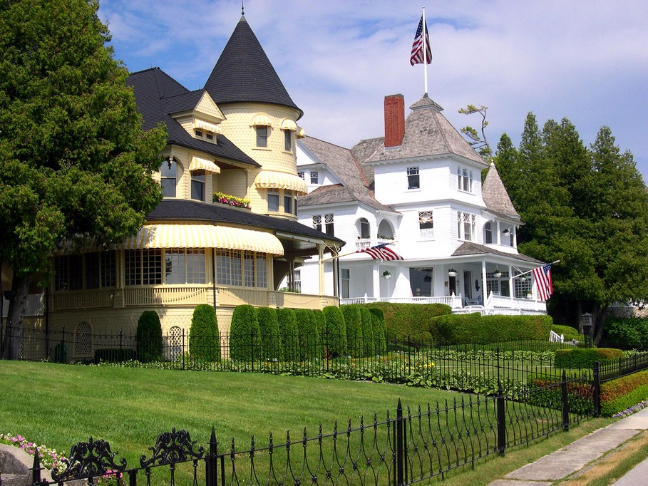 Mackinac island mi summer homes on mackinac island House builders in michigan