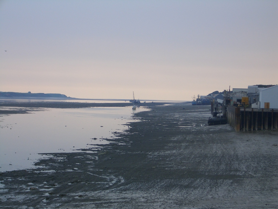Naknek, AK : Low tide, Nakenk River