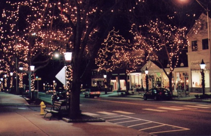 Ridgefield, CT : Main Street - Christmas season