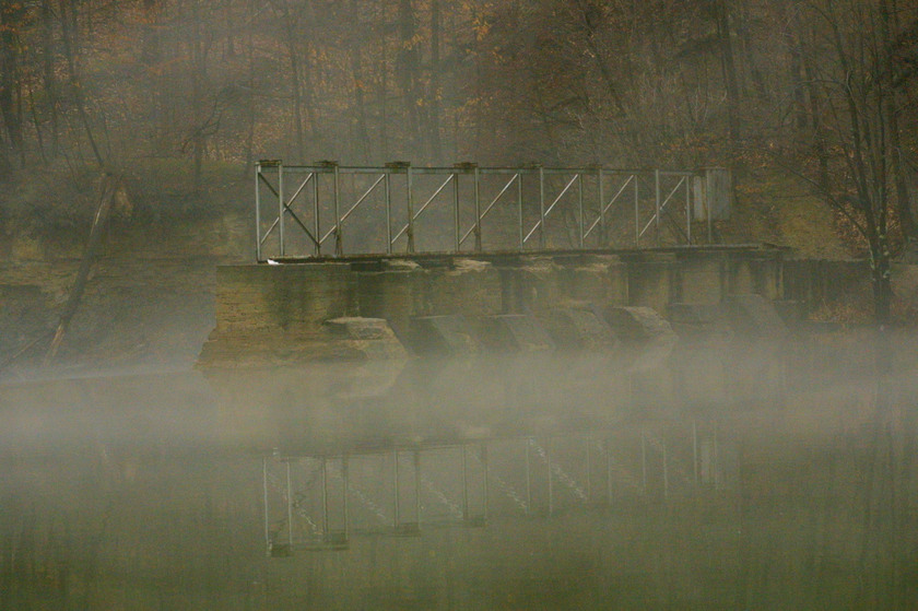 Grand Ledge, MI : Foggy Morning at the Fitzgerald Park Dam, Grand Ledge, MI.