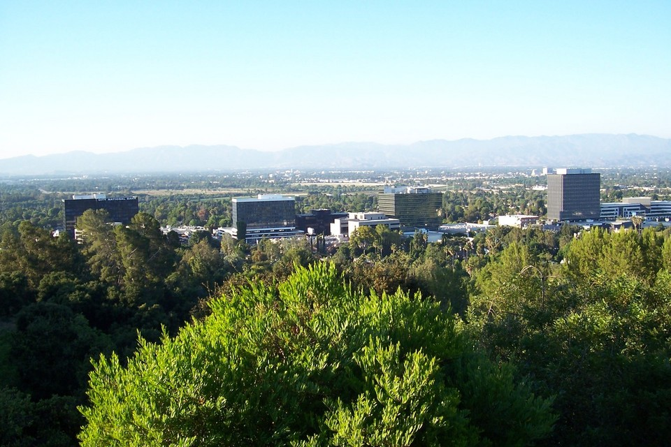 San Fernando, CA : View of San Fernando Valley from hills of Encino, CA