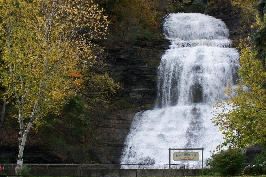 Montour Falls, NY : She-Qua-Ga Falls