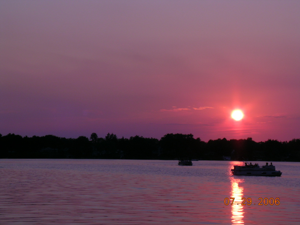 West Bloomfield Township, MI : Lazy Sunset on Green Lake