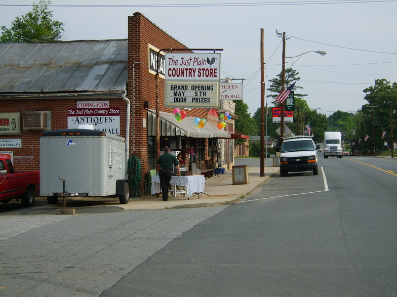Walnut Cove, NC: Downtown