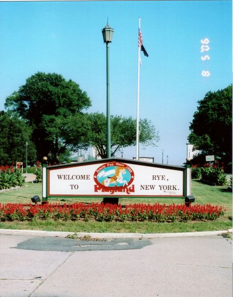 Rye, NY : entrance sign to Rye Playland