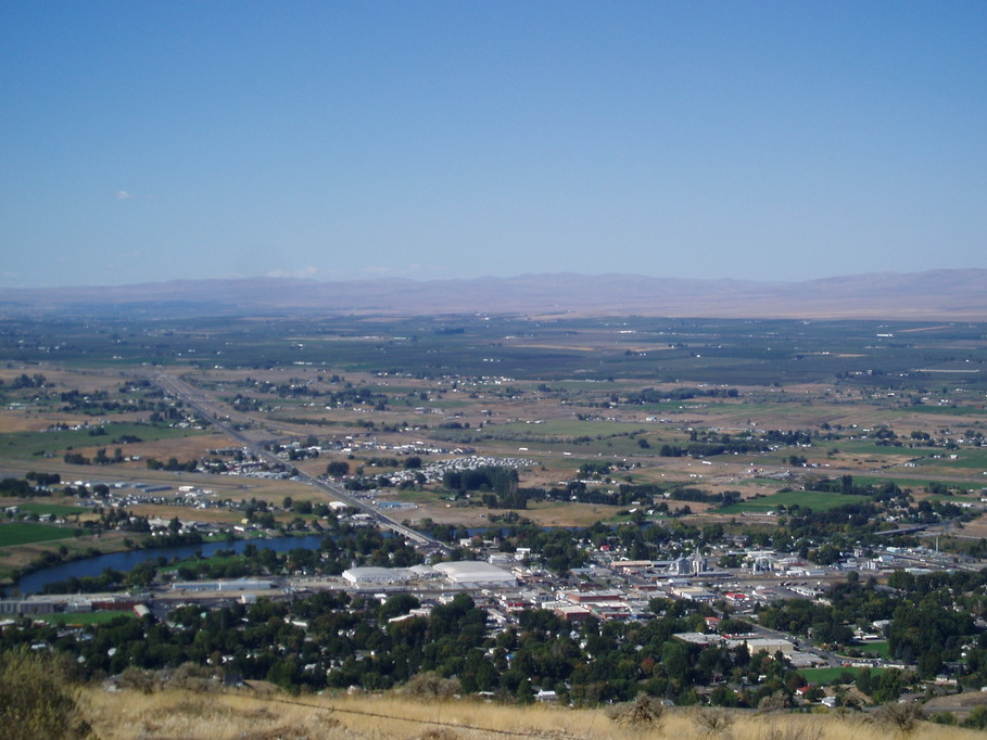 Prosser, WA: Overlooking Prosser, Wa Via Horse-Heaven Hills. (1,620 FEET UP)