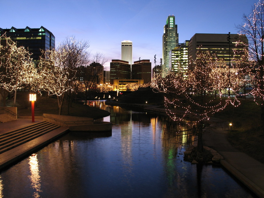 Omaha, NE : Downtown Omaha looking West from the 10th St bridge over the Gene Leahy Mall during the Holiday Lights Festival 2005-2006