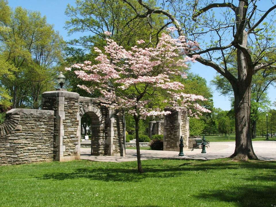 Huntington, WV: ritter park in the spring