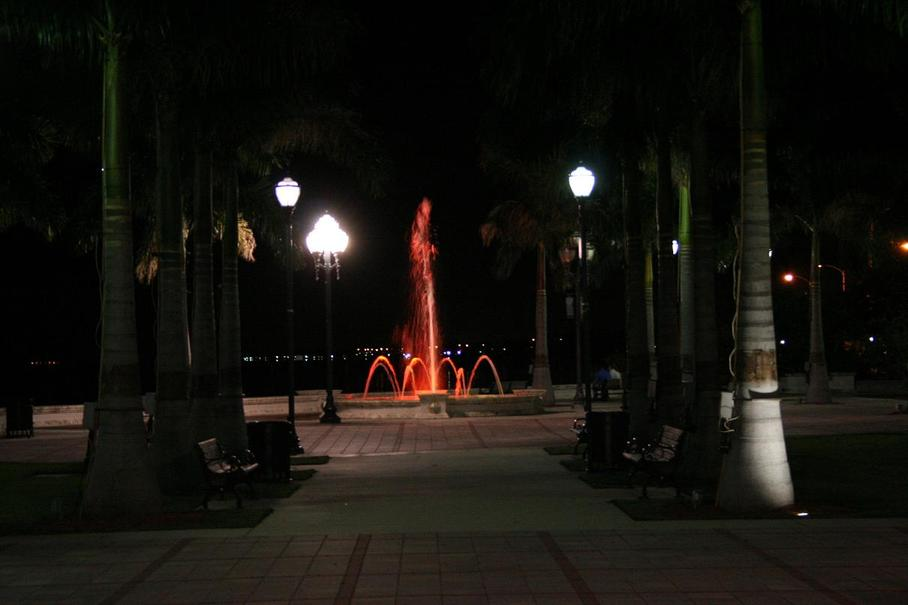 Fort Pierce, FL: Downtown Fountain