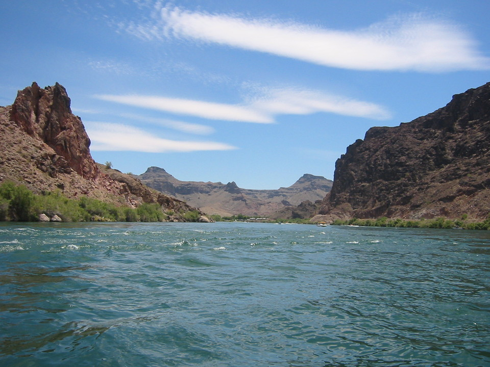 Parker Strip, AZ: View from the river on the mountain scape