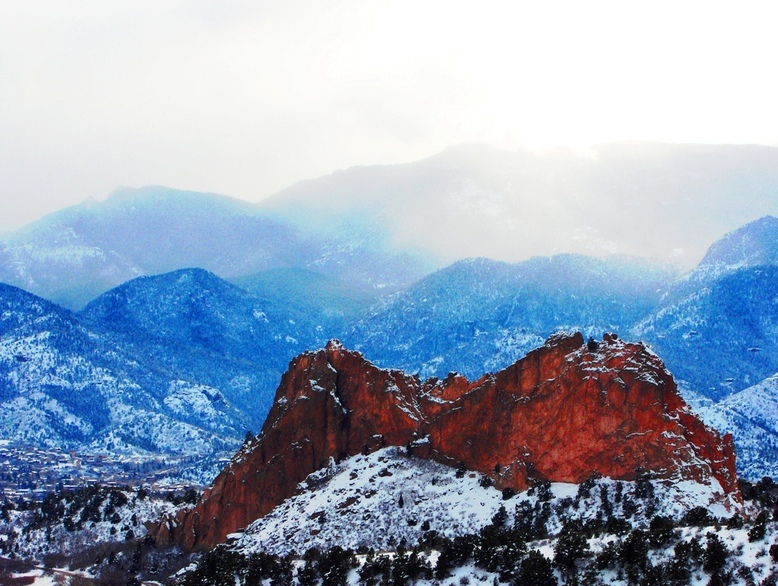 Colorado Springs, CO : Snow Falling on Garden of the Gods