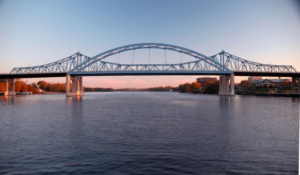 La Crosse, WI : Mississippi River Bridge (Hwy 16 / 41