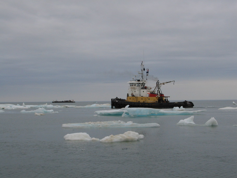 Barrow Ak Crowley Tug Picking Their Way Through Ice