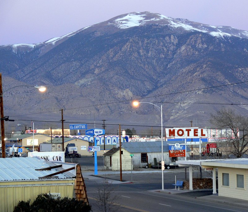 Hawthorne, NV : HAWTHORNE AT TWILIGHT