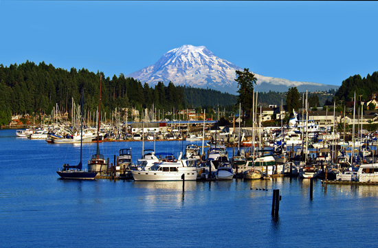 Gig Harbor, WA : Gig Harbor & Mt Rainier on a Clear Day