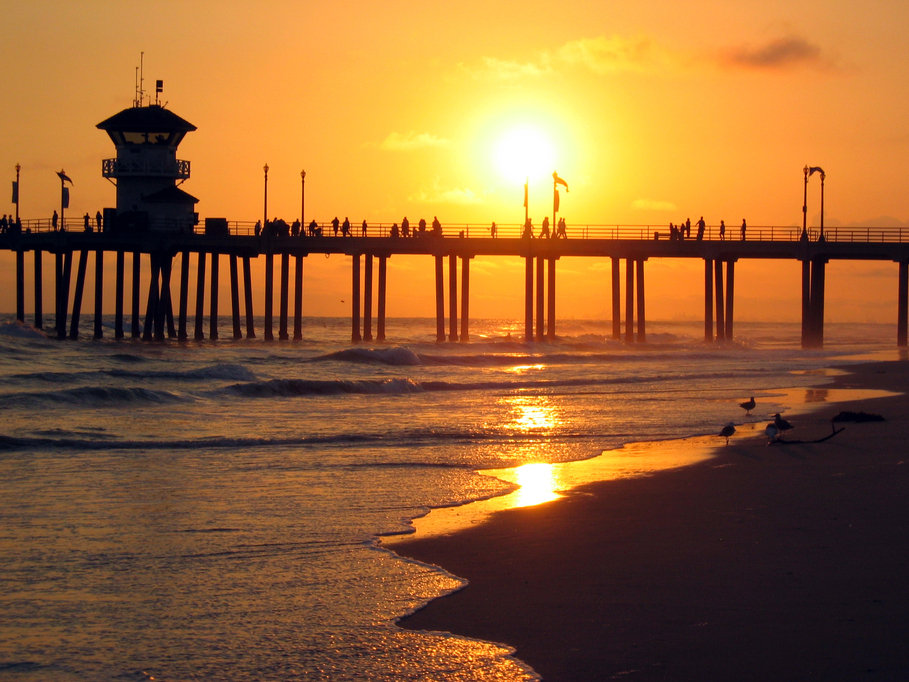 Huntington Beach, CA: Huntington Beach at sunset