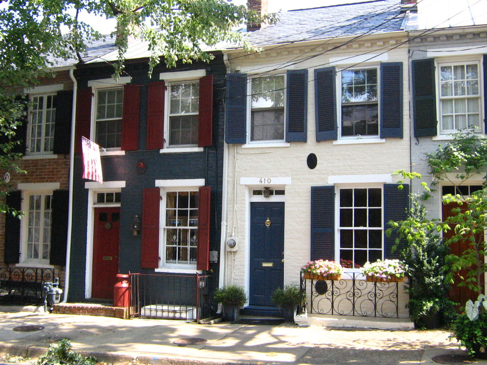 Alexandria, VA : Queen Street Row Houses
