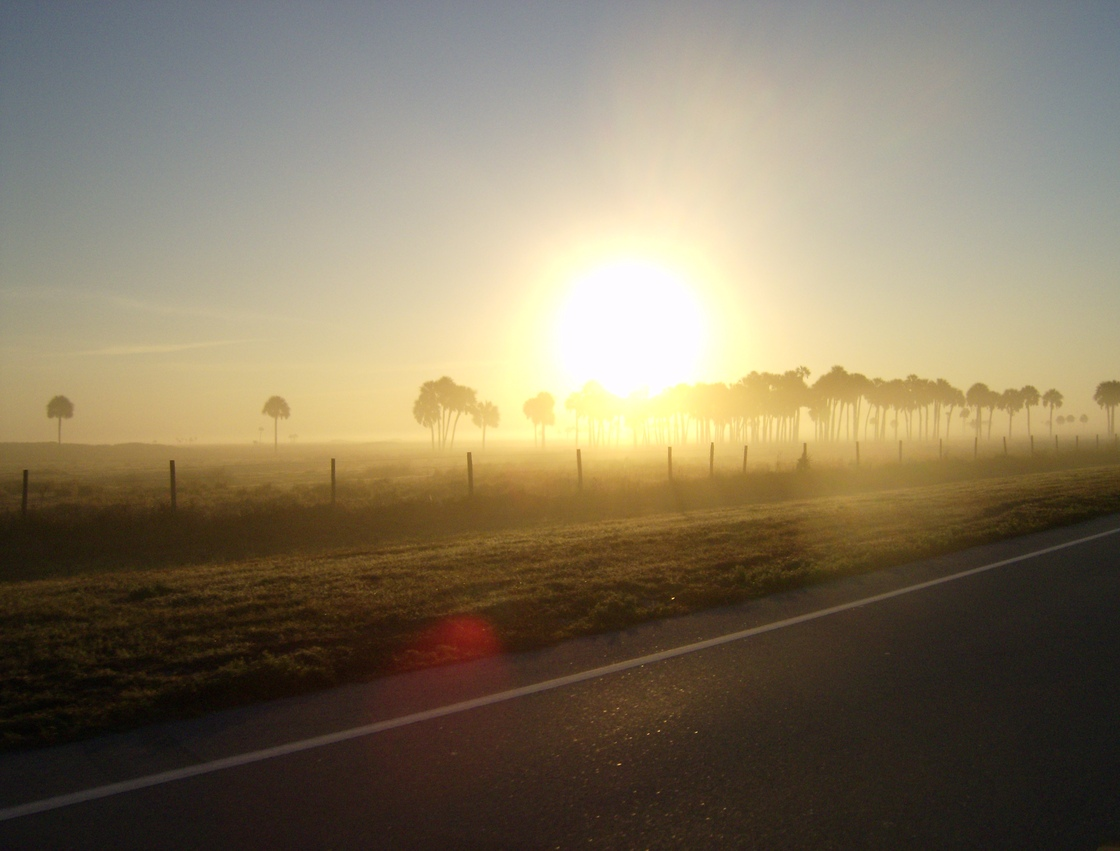 Sebring, FL : SUN RISE EAST ON 98