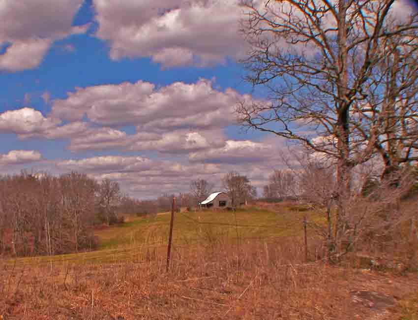 Crossville, TN : FARM JUST OUTSIDE OF CROSSVILLE