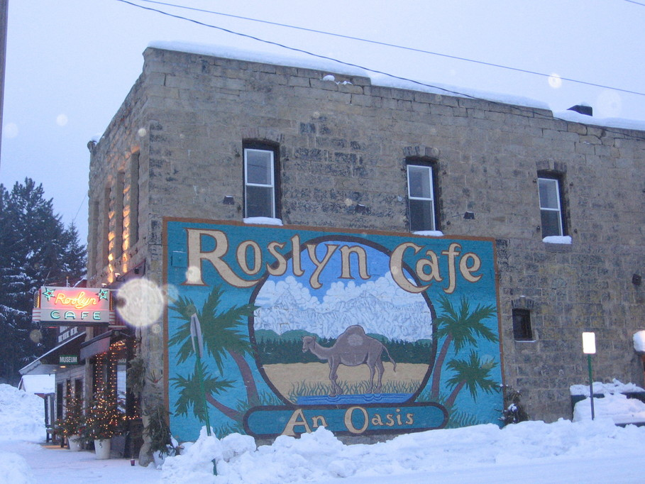 Roslyn, WA: Roslyn Cafe at Christmas time