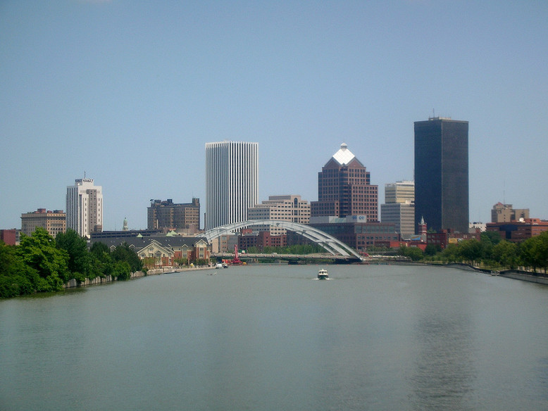 Rochester, NY : the new skyline as of 2006 from Ford St. Bridge