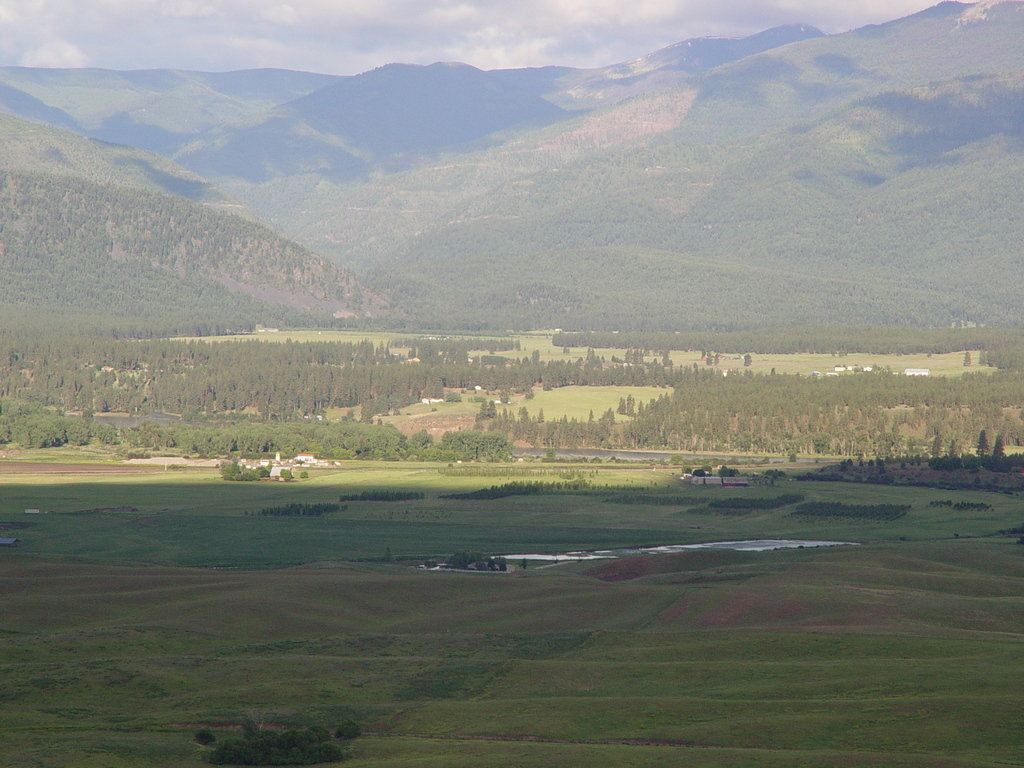 Plains, MT: Overlooking Plains Valley