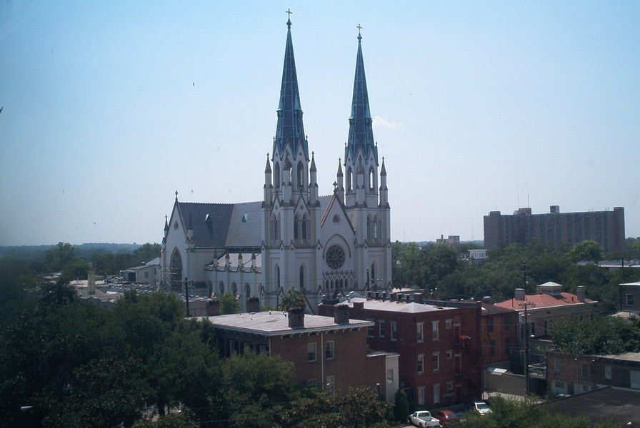 Savannah, GA : The veiw i had from my 7th floor apartment, and boy do i miss seeing that everyday