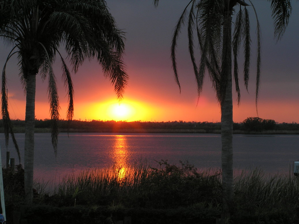 Harbour Heights, FL : Sunrise over Whidden Bay in Harbour Heights, Florida