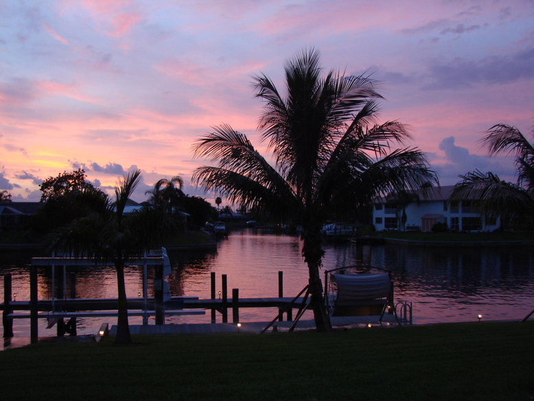 Cape Coral, FL : After the Sunset on 43rd Terrace