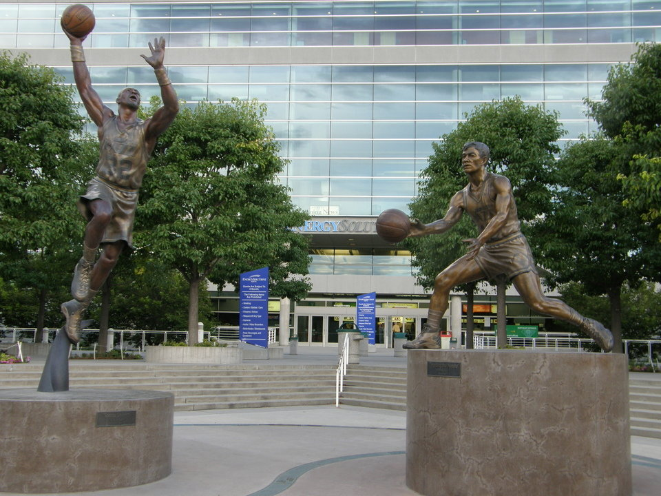 Salt Lake City, UT : Statues of Karl Malone and John Stockton