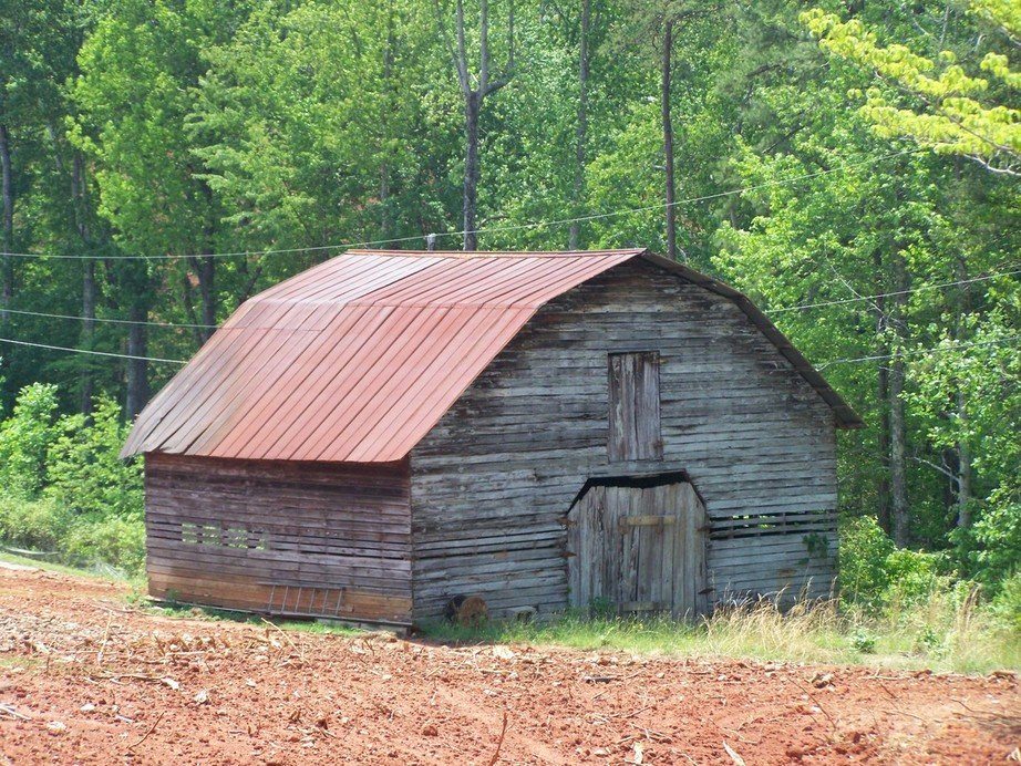 Travelers Rest, SC : COUNTRY BARN