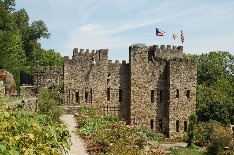 Loveland, OH : Chateau Laroche (Loveland Castle)