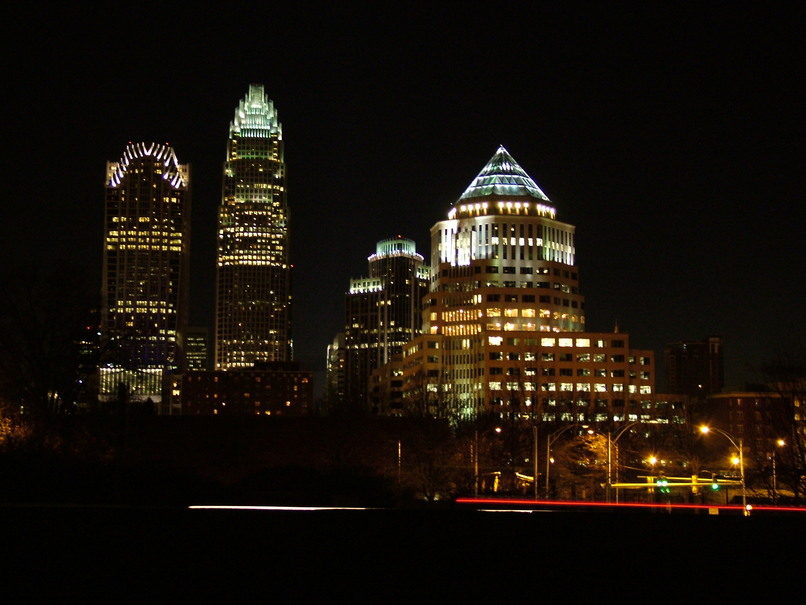 Charlotte, NC : Clear winter evening looking at the north side of downtown