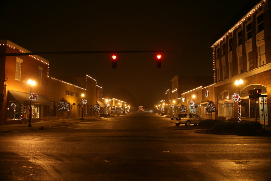 Fort Valley, GA: Fort Valley on a misty night during the Christmas Holidays