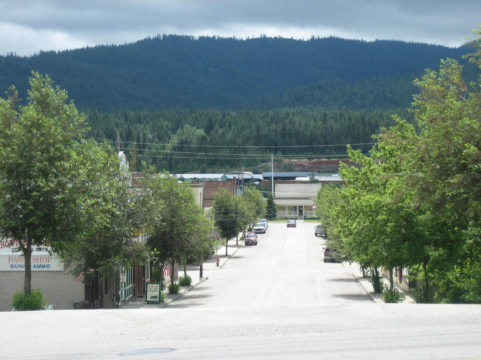 Priest River, ID : Main Street on a Sunday Afternoon