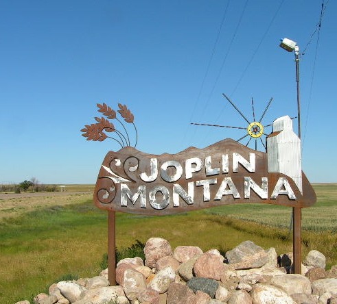 Joplin, MT : Entrance sign on US Highway 2