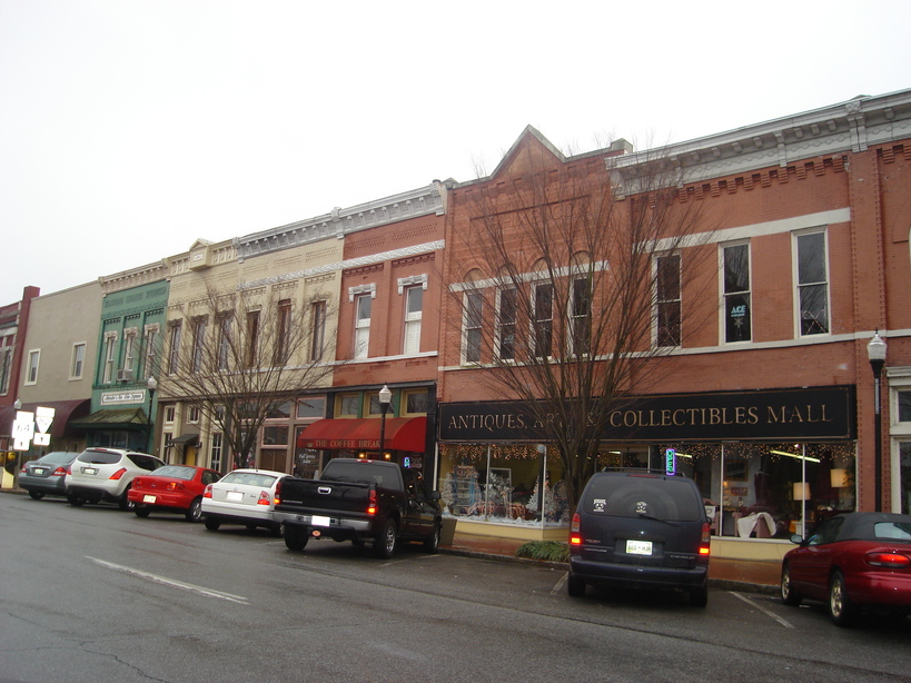 Shelbyville, TN: View of some shops