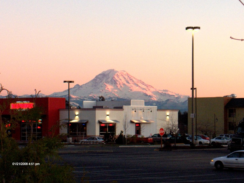 Federal Way, WA : View of Mt Rainer from Federal Way