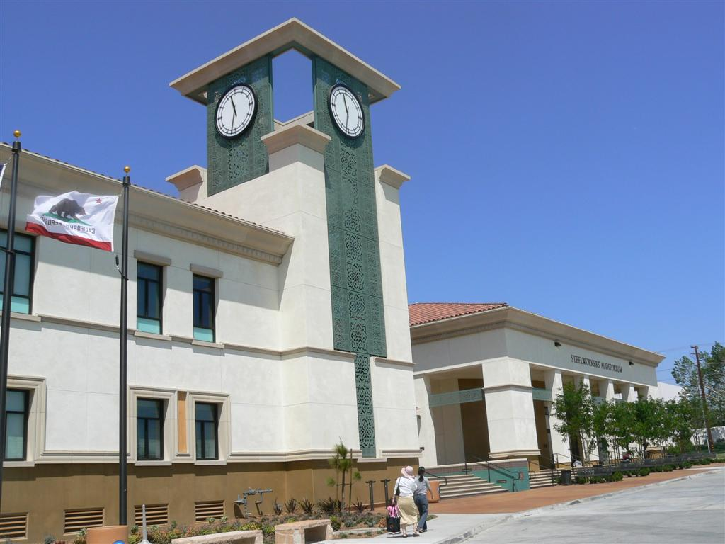 Fontana, CA : Fontana Library Is Largest of the County