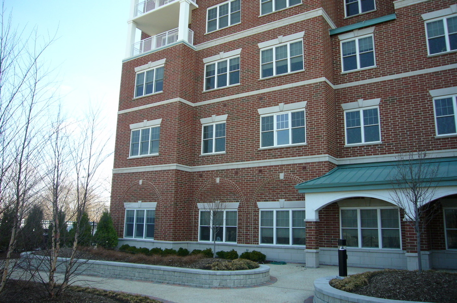 La Grange Park, IL : A brand new high rise in La Grange Park - Plymouth Place
