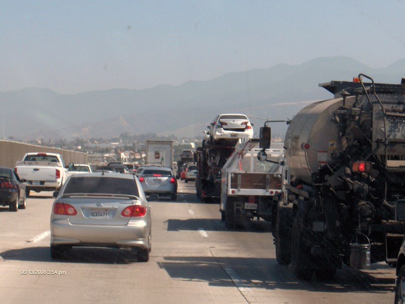 Corona, CA: Friday rush hour - I-15 southbound near Highway 91