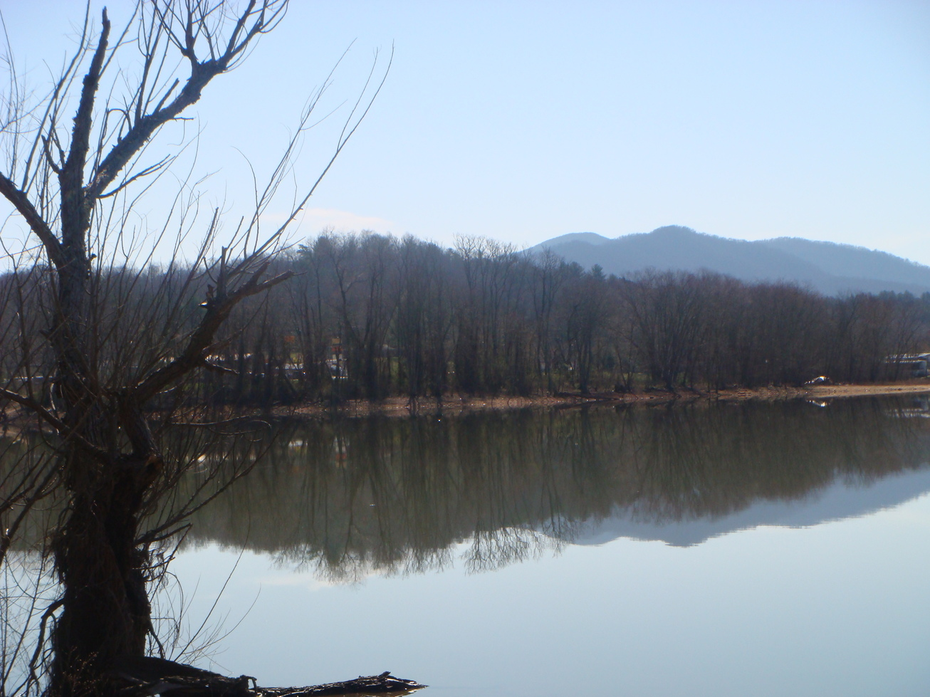 Hiawassee, GA: Lake Chatuge in March