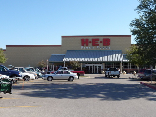 Lampasas, TX : H-E-B located on S. Key Ave. (U.S. 281); friendly staff and a community feel.