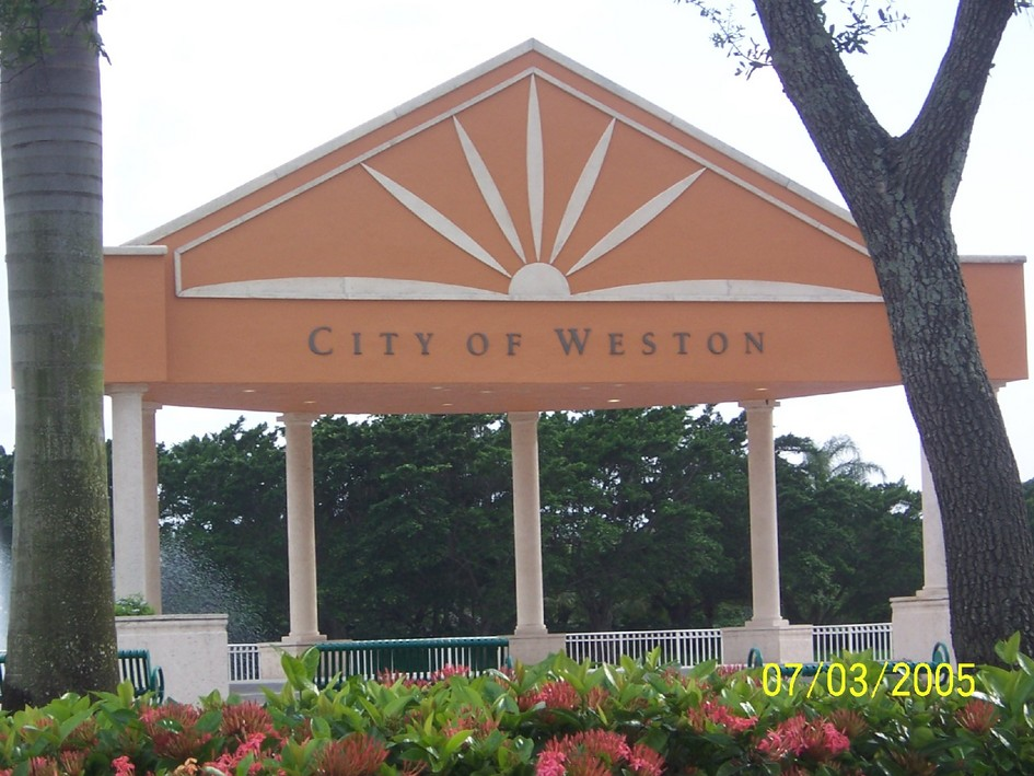 Weston, FL: Weston Town Center Courtyard