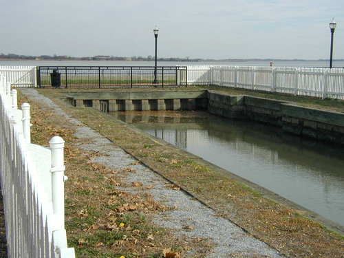 Delaware City, DE : Delaware City old lock